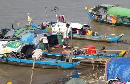 Landless and homeless fisher community
